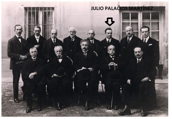Julio Palacios con Einstein Ok